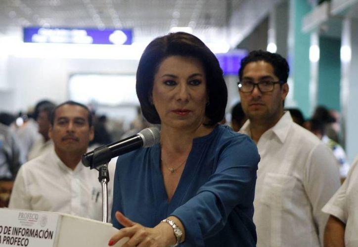 La procuradora Federal del Consumidor, Lorena Martínez Rodríguez, presentó el nuevo organismo en un curso de capacitación impartido ayer en la sede de la Canaco Mérida. (Christian Ayala/SIPSE)