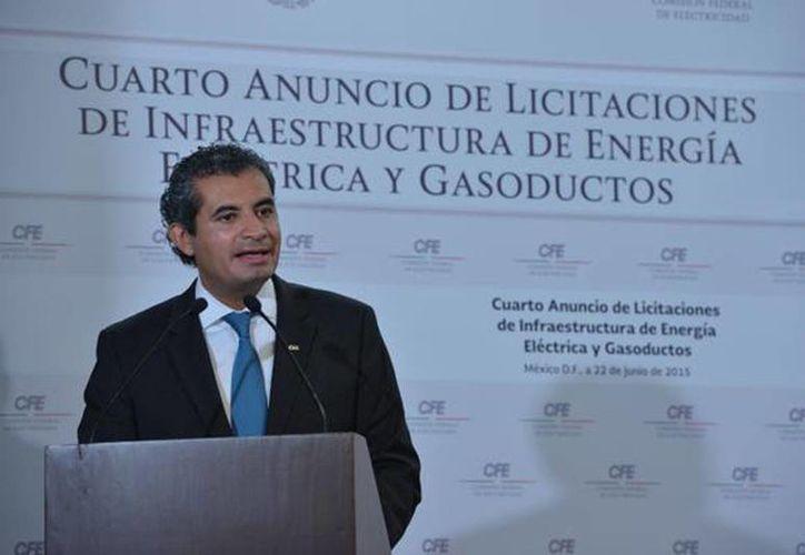 Imagen de Enrique Ochoa Reza,  director general de la CFE, durante el anuncio de licitaciones de infraestructura de energía eléctrica y gasoductos. (@EnriqueOchoaR)