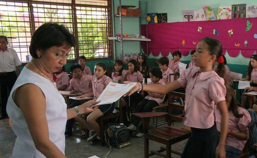 Los maestros y alumnos ya se preparan para la prueba Enlace. (SIPSE)
