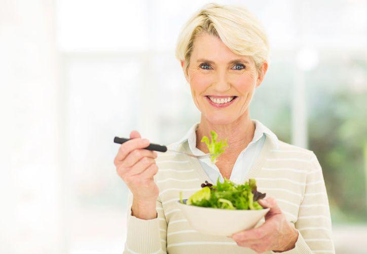 Las espinacas son ricas en ácido fólico, el cual ayuda a regenerar las células. (Foto: Contexto)