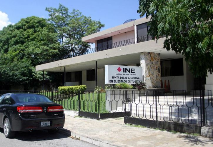 La evaluación la aplicará el INE a nivel nacional a tres mil 288 aspirantes en las 18 entidades que celebrarán comicios en 2015, entre las cuales está Yucatán. (Milenio Novedades)