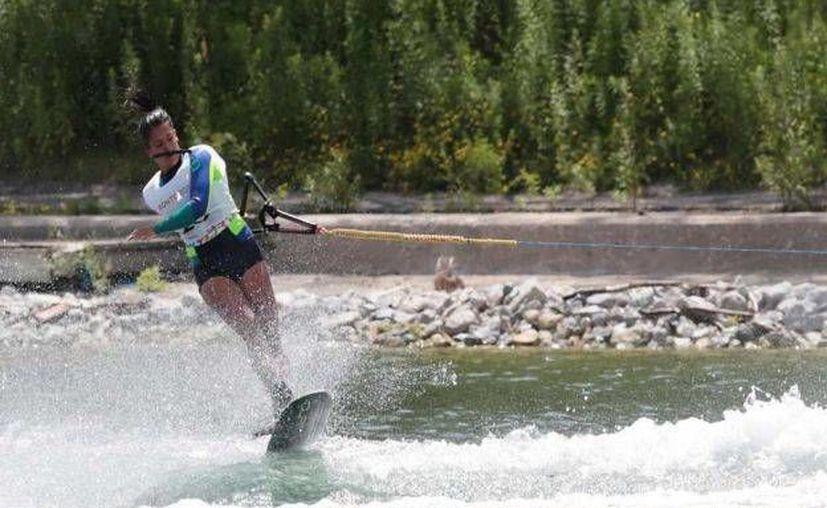 Carolina Chapoy ganó medalla de bronce para México en esquí acuático en los Juegos Panamericanos de Toronto. Hace cuatro años estuvo a un paso de quedar en el podio. (Foto: Conade)