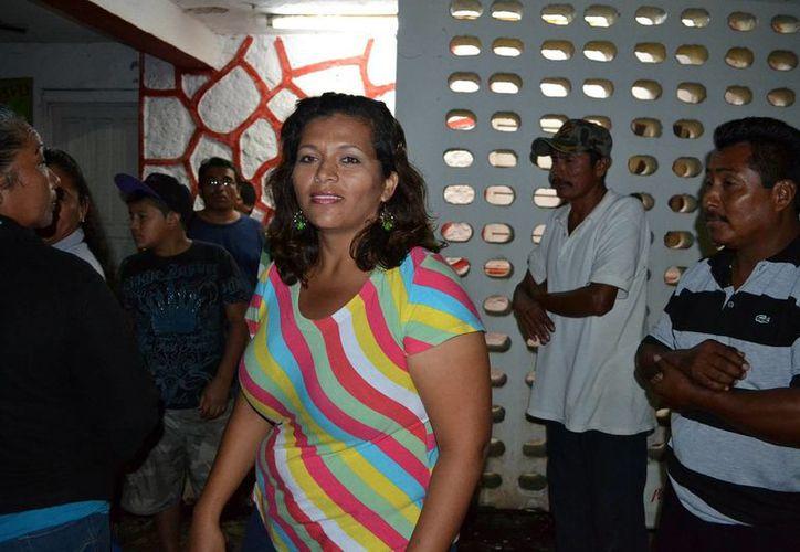 Desde hace 12 días, las oficinas de la alcaldía de Nicolás Bravo permanecen sitiadas por decenas de habitantes de la misma localidad. (Edgardo Rodríguez/SIPSE)