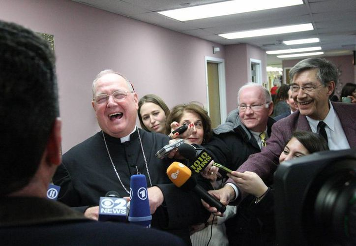 Dolan  ríe al ser entrevistado por medios de comunicación. (Agencias)