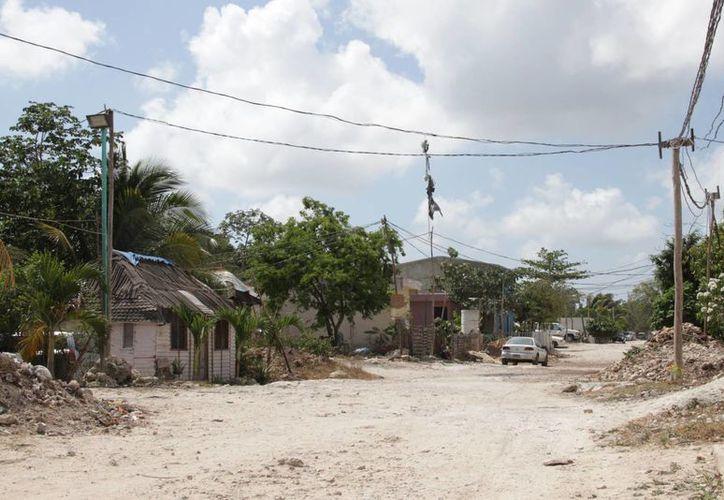 Los asentamientos irregulares fueron afectados con el corte de energía eléctrica. (Luis Soto/SIPSE)
