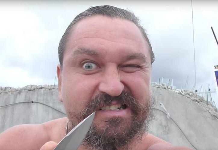 #LordNaziRuso es acusado de agredir a mexicanos en Cancún. (Fotos: Redacción)