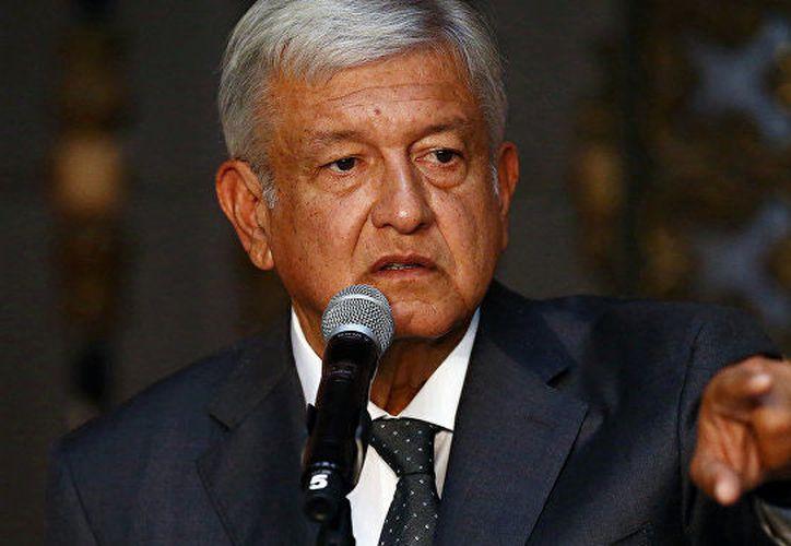 """El presidente electo de México, Andrés Manuel López Obrador, dio a conocer su """"Plan 50"""", que son medidas de austeridad y anticorrupción para quienes trabajen en el gobierno federal. (sputniknews.com)"""