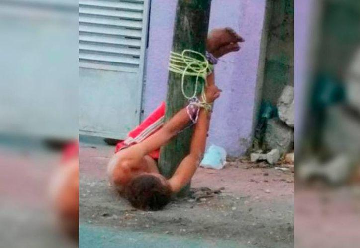 En la colonia Sambulá, ocurrió un hecho poco común en Mérida: vecinos, 'cansados' de un habitante 'incómodo', lo amarraron a un poste. (Milenio Novedades)