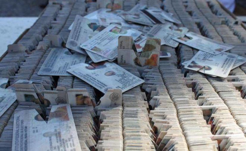 Destruyen 16 mil credenciales de elector en Quintana Roo. (Contexto/Internet)