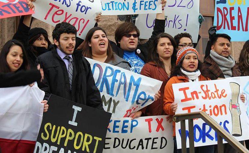 De los beneficiados del Programa de Acción Diferida para los Llegados en la Infancia (DACA), 548 mil son mexicanos. (SIPSE)