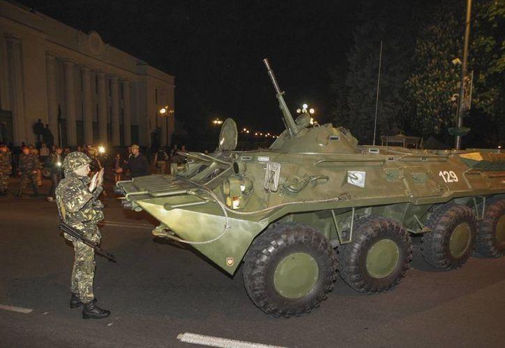 Kiev niega que el ejército ucraniano utilice artillería contra territorio de Rusia. (EFE)