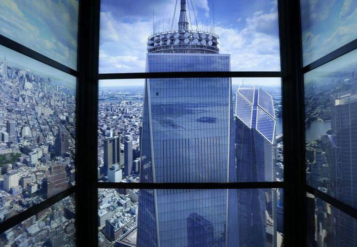 El observatorio del One World Trade Center se encuentra en los pisos que suelen ser ocultados por las nubes. (EFE)