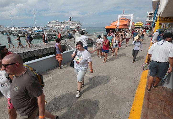 Al cierre de octubre llegaron mil 48 cruceros a Cozumel. (Gustavo Villegas/ SIPSE)