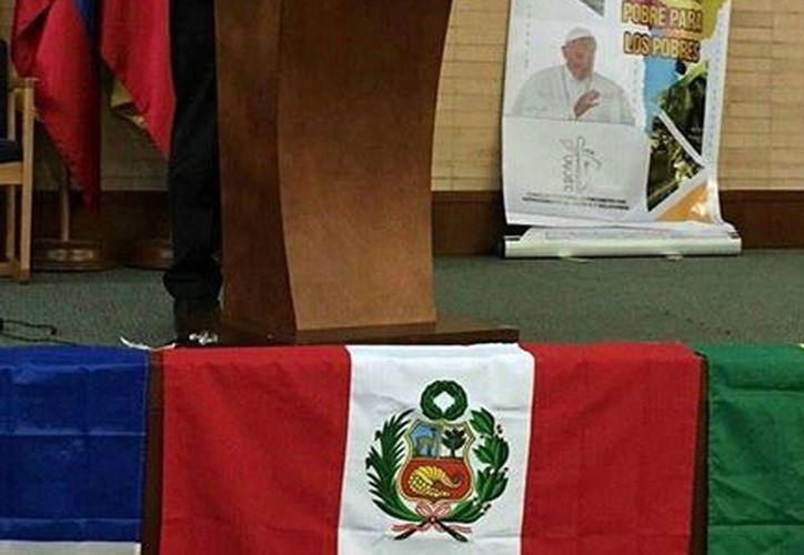 Fotografía de la participación del Arzobispo de Yucatán en el Seminario 'Una Iglesia en salida, pobre para los pobre', se realiza en Bogotá, Colombia. (Milenio Novedades)