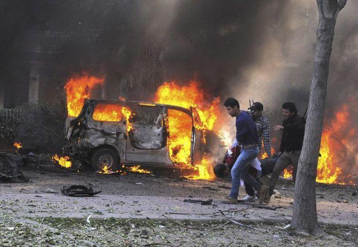 En los dos últimos días más de 60 personas han muerto como resultado de la  guerra civil en Siria. (EFE)