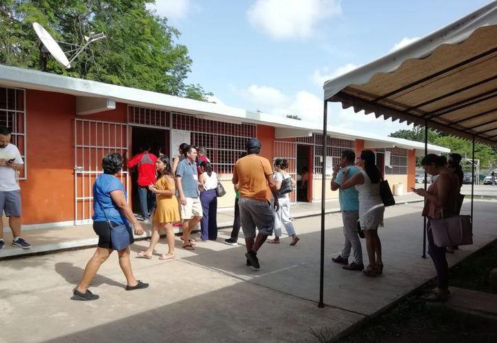 Las filas de ciudadanos han disminuido considerablemente en la mega casilla. (Fernanda Duque/SIPSE)