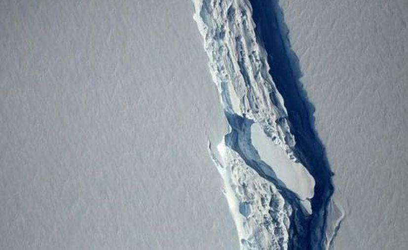 Un iceberg de un billón de toneladas se formó en la Antártida tras el desprendimiento de un bloque de hielo gigantesco. (Reuters).
