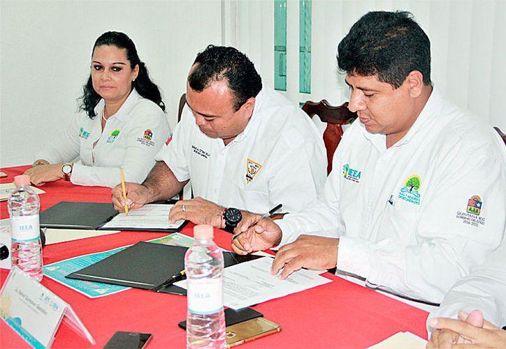 El IEEA firmó un convenio con el Suchaa para el establecimiento y operación de una plaza comunitaria.