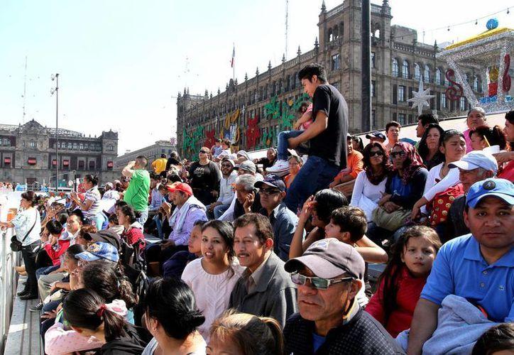 Mientras se estima que hay 121 millones 493 habitantes, se han asignado 178 millones 951.3 Claves Únicas de Registro de Población. (Archivo/Notimex)