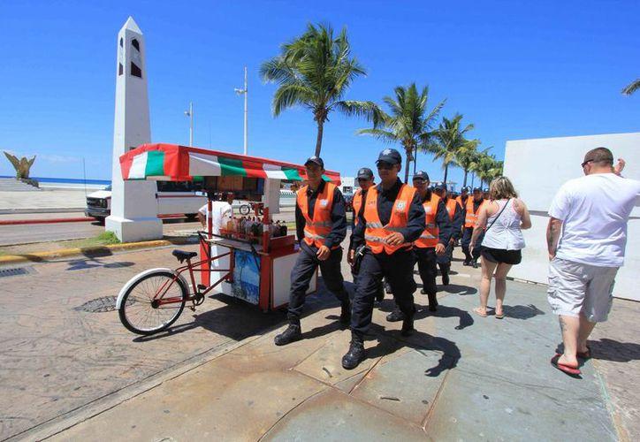 El objetivo de la Policía Federal es garantizar la seguridad y generar confianza entre las familias cozumeleñas. (Gustavo Villegas/SIPSE)