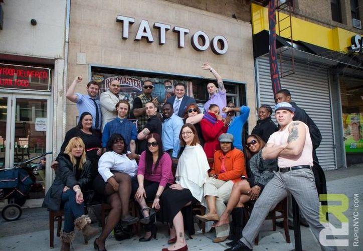 Hasta el momento sólo 40 personas aceptaron la idea de dejarse tatuar. (facebook.com/rapidrealty)