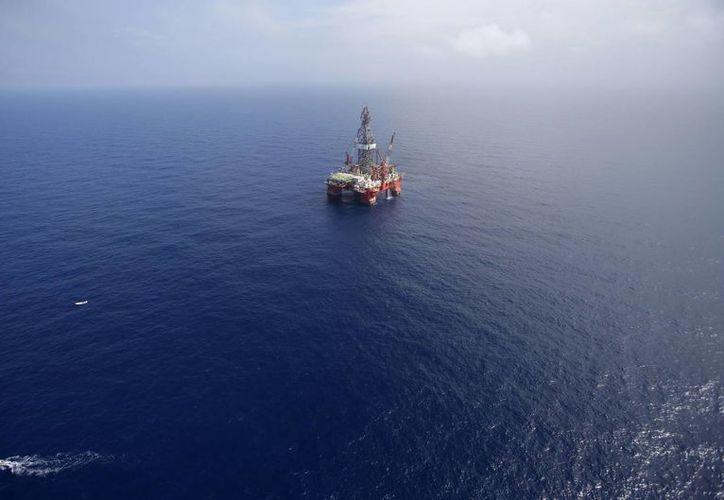 El área del yacimiento descubierto en las costas de Tabasco abarca cerca de 50 kilómetros cuadrados. (Archivo/The Associated Press)