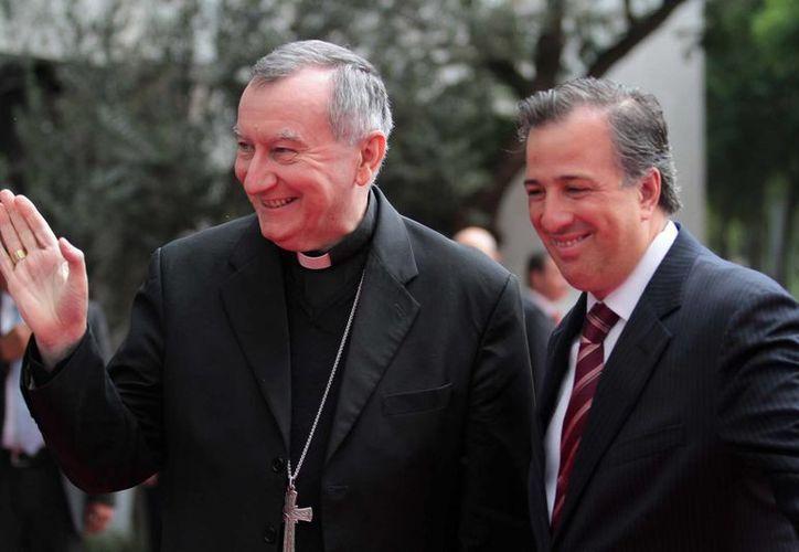El secretario de El Vaticano, Pietro Parolin, y el canciller mexicano, José Antonio Meade. (Notimex)