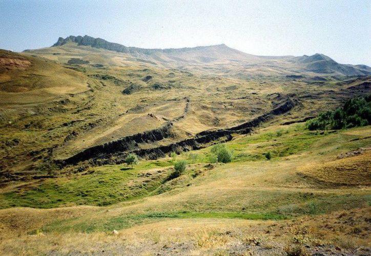 En el yacimiento arqueológico turco conocido como Durupinar, podrían encontrarse los restos del Arca de Noé. (EFE)