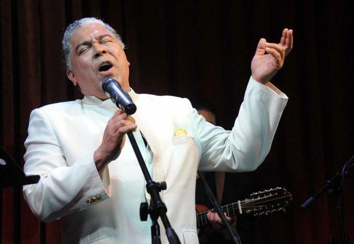 El intérprete de exitosos boleros y baladas románticas de Puerto Rico tenía previsto viajar a Nueva York para un concierto anual con el saxofonista Paul Winter. (hoy.com.do)