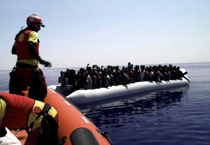 Las lanchas que transportaban inmigrantes, naufragaron a causa del exceso de pasajeros. (Foto: AP)