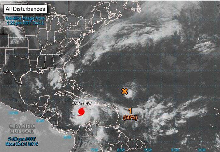Imagen de satélite del Centro Nacional de Huracanes de Miami, Florida, EU, que muestra la ubicación del huracán Matthew, este lunes 3 de octubre de 2016. (www.nhc.noaa.gov)