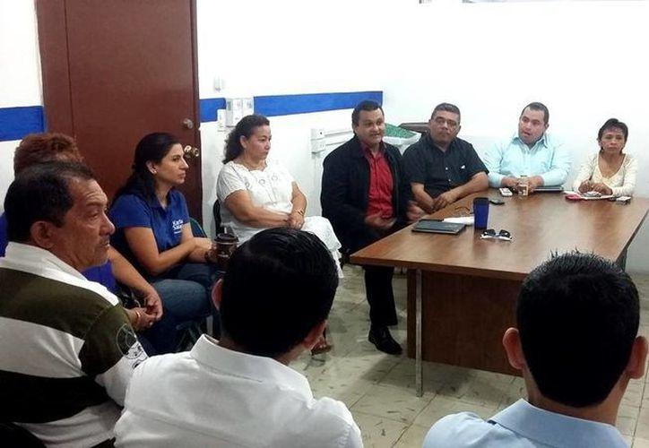 En reunión, aspirantes panistas a diversos puestos en Mérida conocieron qué deben y pueden hacer durante la precampaña. (SIPSE)