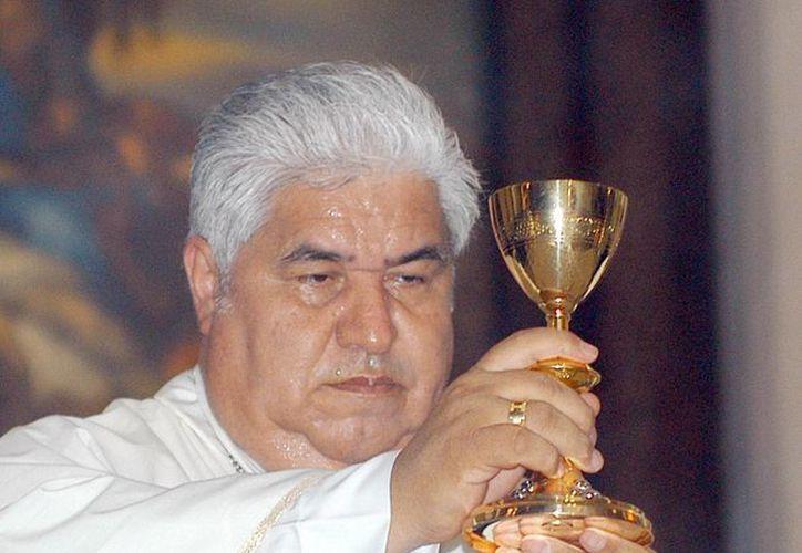 El arzobispo Cabrera López: 'tampoco vamos a decir que nadie se haga la liposucción'. (dominio.fm)