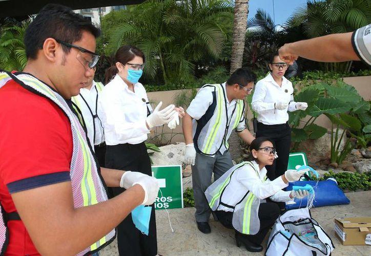 Con 48 simulacros de desalojo empezó este lunes en Mérida la Semana Municipal de Protección Civil. (Fotos cortesía del Ayuntamiento de Mérida)