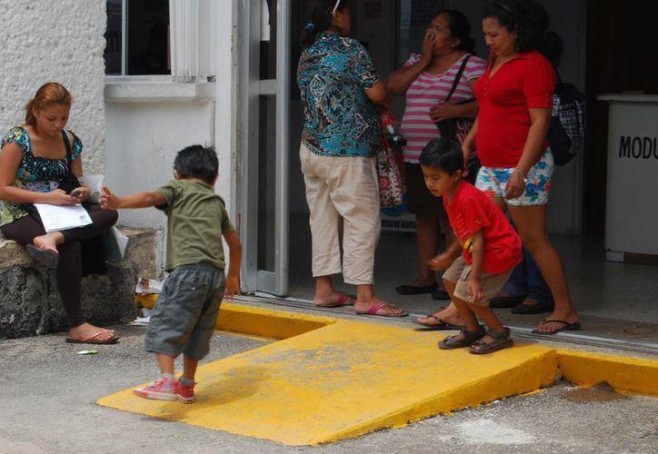 Los menores que lo padecen presentan dificultad para mantener atención, hiperactividad e impulsividad. (Tomás Álvarez/SIPSE)