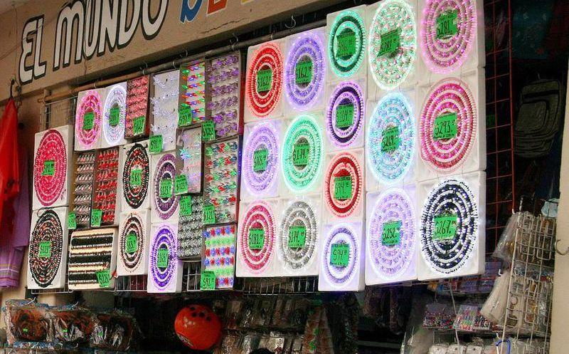 1e0d49adea8 Venta de luces piratas impacta ventas de comercios establecidos