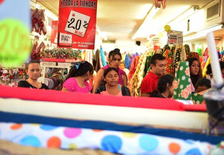 Durante el Buen Fin Mérida recibió la visita de compradores de diversos estados del sureste del país. (Luis Pérez/SIPSE)