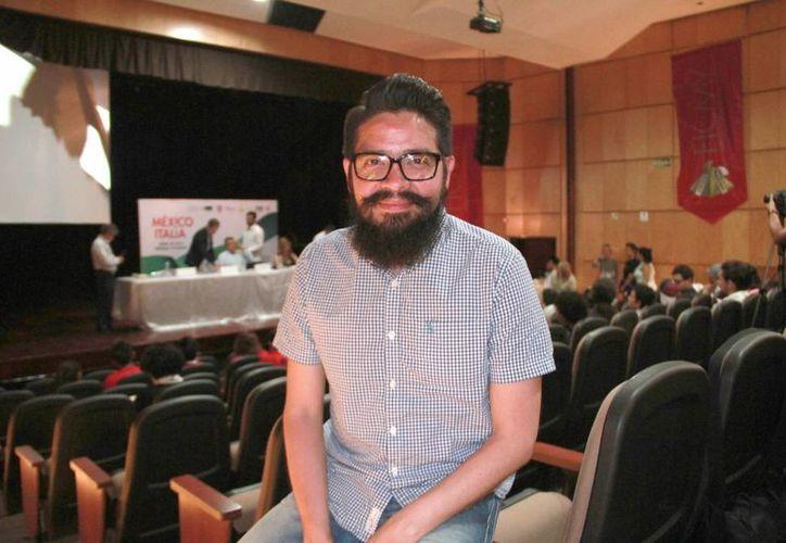 Bernardo Mota(foto) será el encargado de dirigir la cinta que aborda el tema sobre el padecimiento de cáncer de mama.(Jorge Acosta/Milenio Novedades)