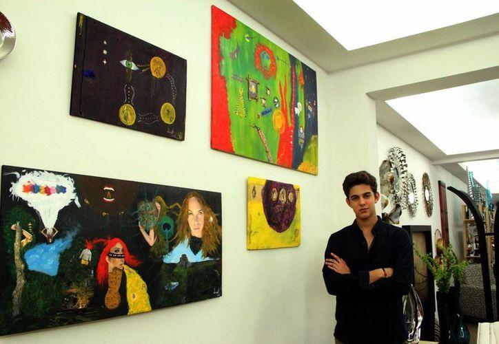 Sergio es un pintor nato, recrea en sus cuadros todo lo que su mente le dicta, sin poner etiquetas ni límites. (Milenio Novedades)