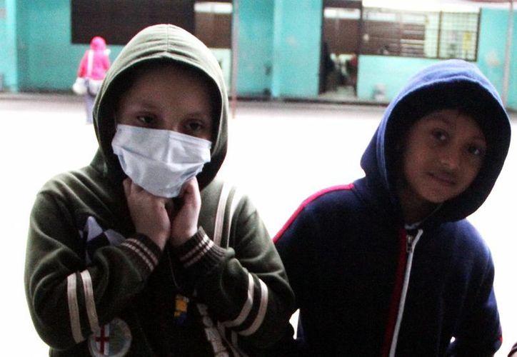 En caso de padecer un mal respiratorio evite acudir a sitios concurridos. Piden tener mayor cuidado con los menores de edad, que son los más afectados. (Milenio Novedades)