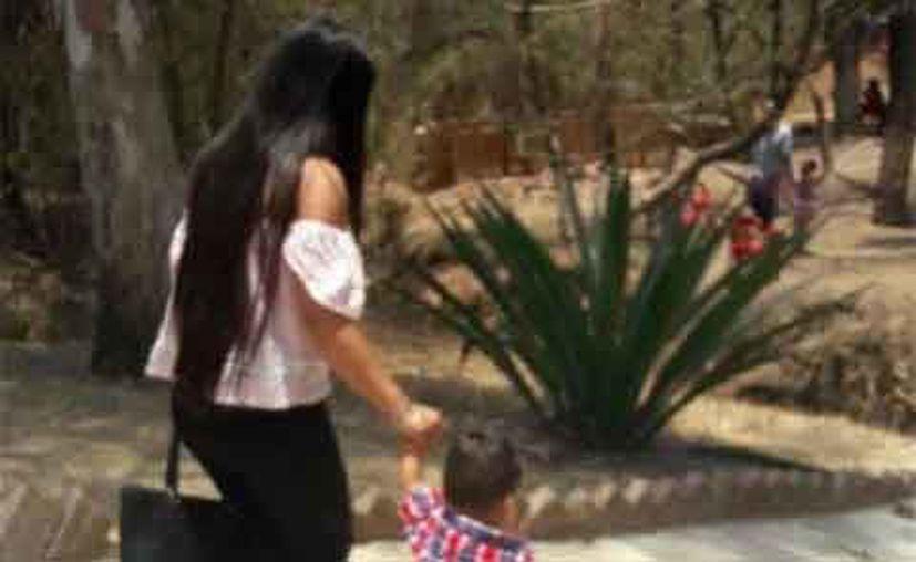 Ena Xitlalhi fue encontrada sin vida el fin de semana pasado; su hijo de un año de edad estaba junto a ella llorando. (Excélsior)