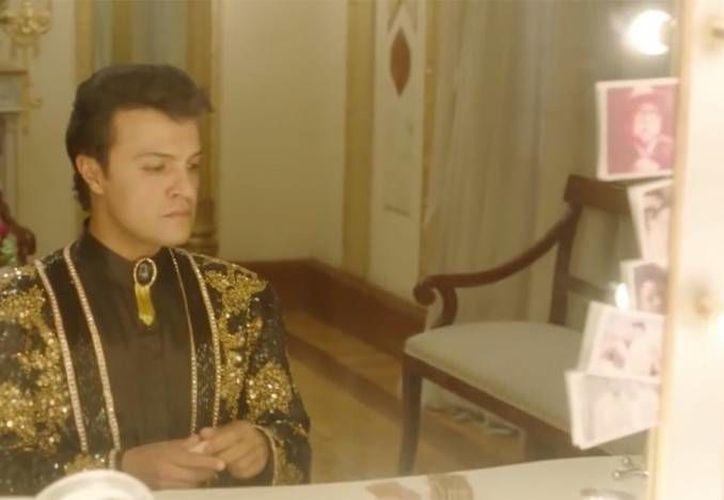 La serie Hasta que te conocí', que cuenta la vida de Juan Gabriel, y que será transmitida por TNT, fue grabada en más de 100 lugares y contó con más de tres mil actores. (Foto tomada de proceso.com.mx)