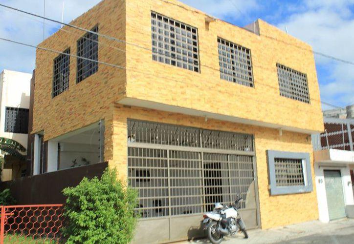 La notaría en Cancún opera sin rotulación que indique su naturaleza. (Luis Soto/SIPSE)