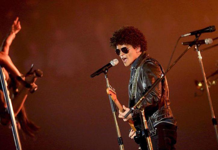 Bruno Mars, de 28 años, es uno de los cantantes jóvenes más exitosos a nivel mundial junto con Adele, Wiz Khalifa y Justin Bieber. (EFE)