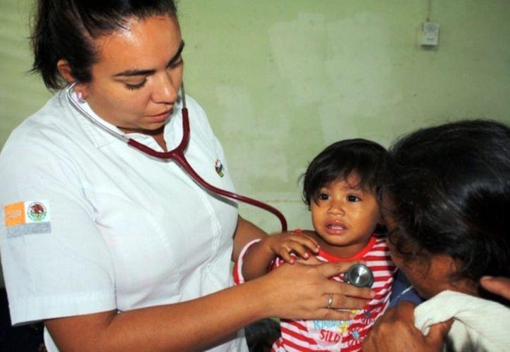 Se exhorta a que los padres de familia vigilen el abrigo de los menores de edad, a fin de prevenir enfermedades respiratorias. (Francisco Sansores/SIPSE)