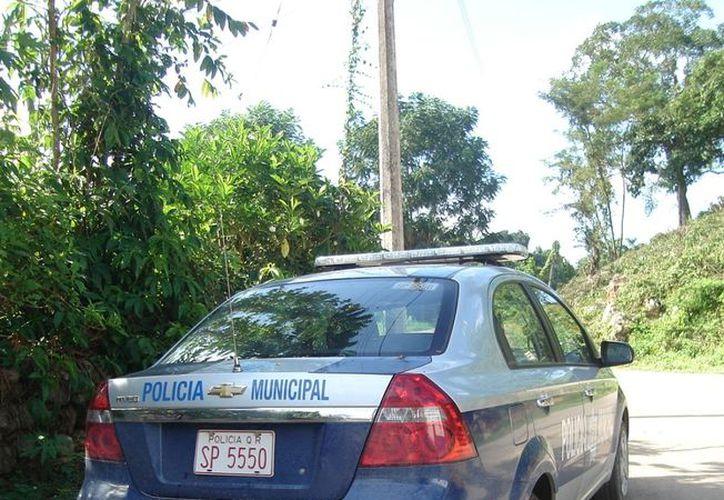 Patrulla al servicio exclusivo de la escolta del alcalde, cuando para vigilar las calles y colonias hacen falta, además de policías. (Carlos Yabur/SIPSE)