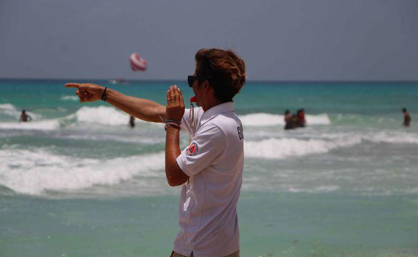 Los guardavidas vigilarán las playas durante la temporada veraniega. (Paola Chiomante/SIPSE)
