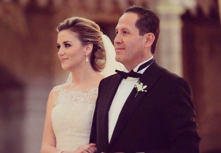 Eruviel Ávila y María Irene Dipp Walther se casaron en la Ex Hacienda de Santa Mónica. (Twitter: @eruviel_avila)