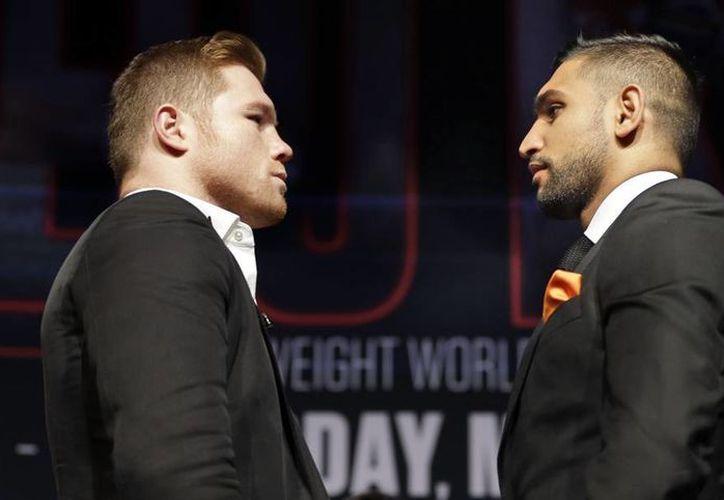 'Canelo' Álvarez y Amir Khanel se enfrentan el próximo siete de mayo en Las Vegas por el título medio del Consejo Mundial de Boxeo. (AP)