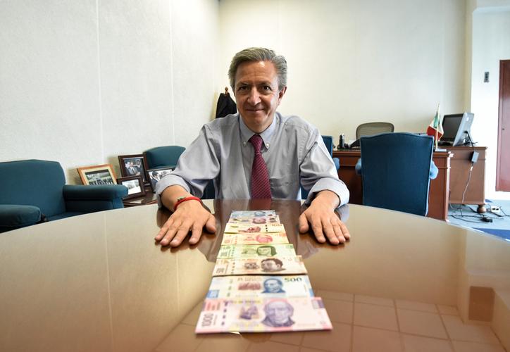 El director general de Emisión del Banxico, Alejandro Alegre Rabiela, confirmó que se pondrá en circulación el nuevo billete. (Notimex)